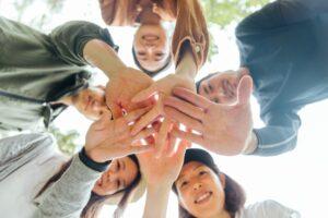 共同生活援助(障害者グループホーム)の開業に必要な従業員スタッフの人数
