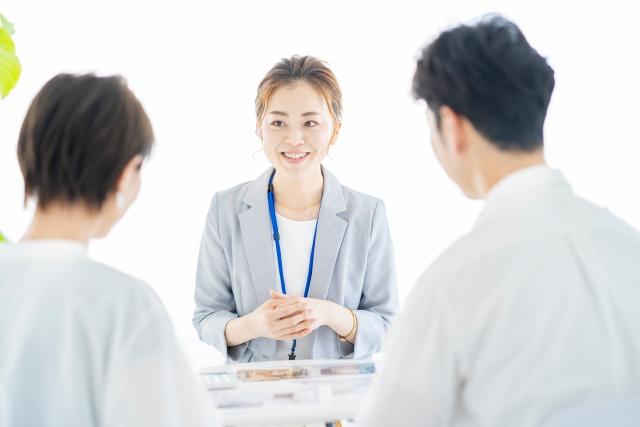 配偶者(妻)を役員に入れるメリットは何ですか?